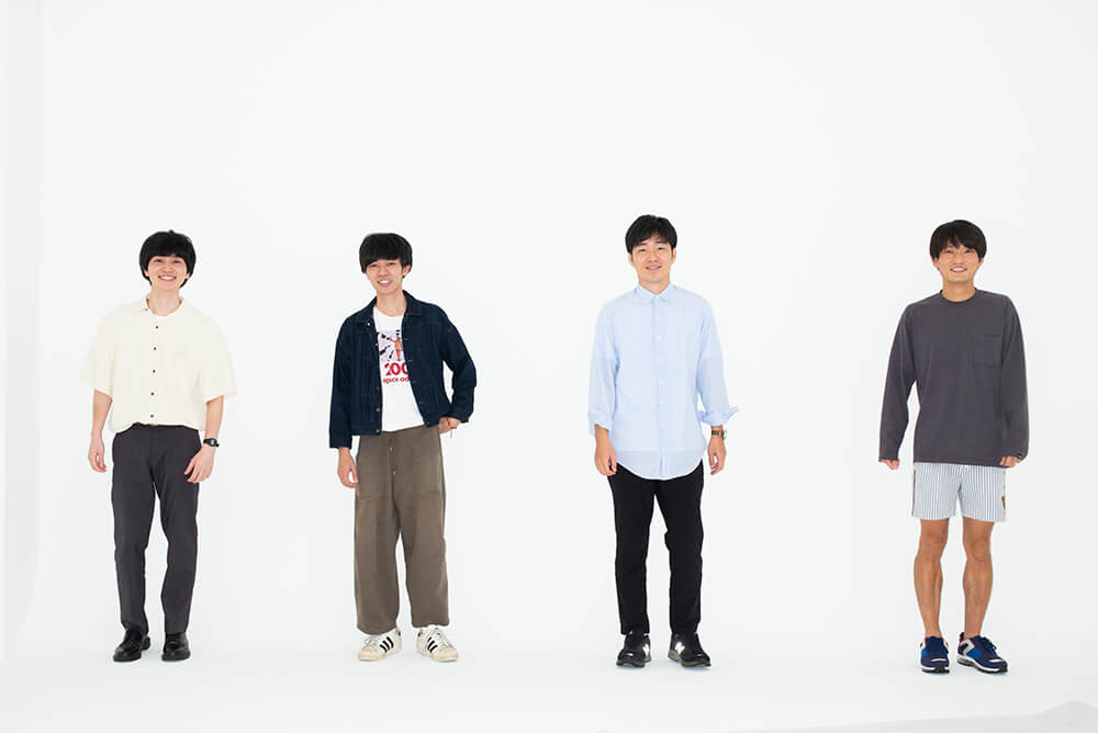 左からThe Songbards松原有志と上野皓平、ジャルジャル後藤淳平と福徳秀介