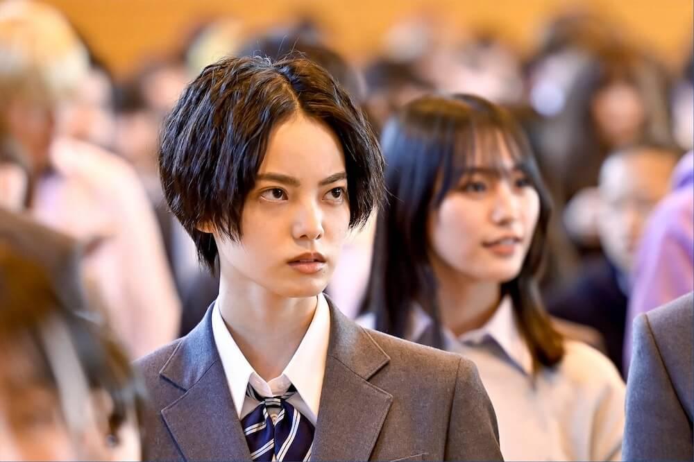 平手友梨奈演じる岩崎楓はバドミントンのトップ選手/日曜劇場『ドラゴン桜』(C)TBS