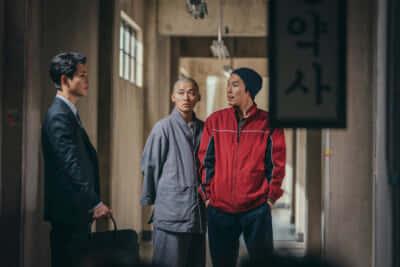 おかしな隣人たちのひとり、質屋のイさん(ヤン・ギョンウォン)/Netflixオリジナルシリーズ『ヴィンチェンツォ』独占配信中