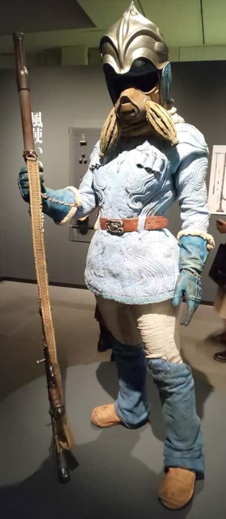 『アニメージュとジブリ展』で展示された竹谷隆之監修の「風使いの腐海装束」(藤津撮影)