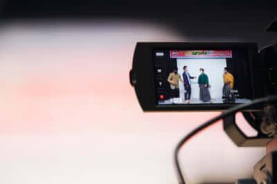カメラ越しの芸人たち