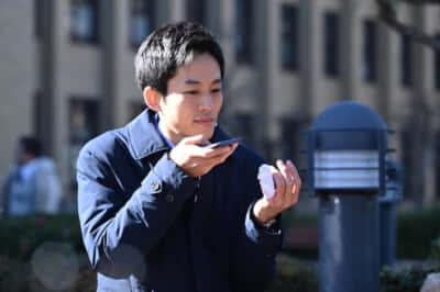 左指の包帯、どうしたんだろう?『今ここにある危機とぼくの好感度について』(4話より)写真提供/NHK
