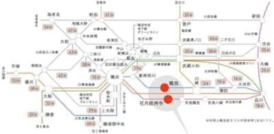 鶴見大学附属中学・高校の「アクセス」より。横浜から町田にかけて、斜めに作り込まれたグリッドが美しい。一般的に緑で描かれることが多い山手線が紫色なのも、インディーズ路線図の自由度ならでは